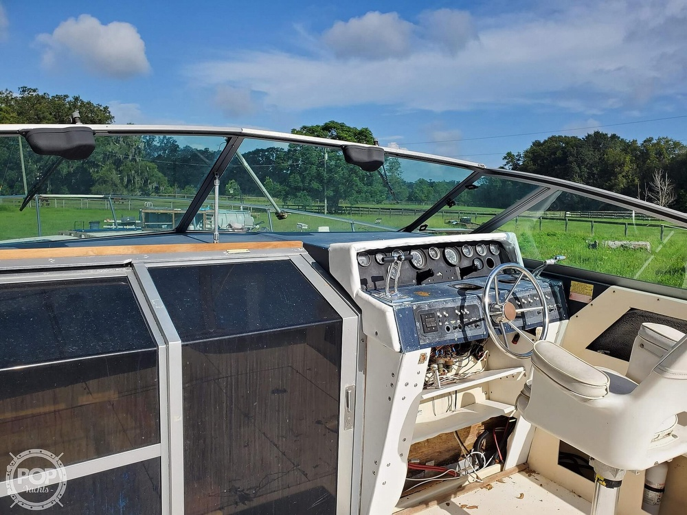 1986 Sea Ray boat for sale, model of the boat is 31 & Image # 20 of 40