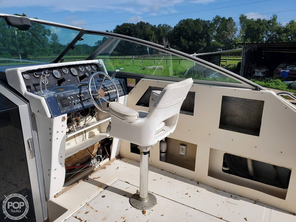 1986 Sea Ray boat for sale, model of the boat is 31 & Image # 21 of 40