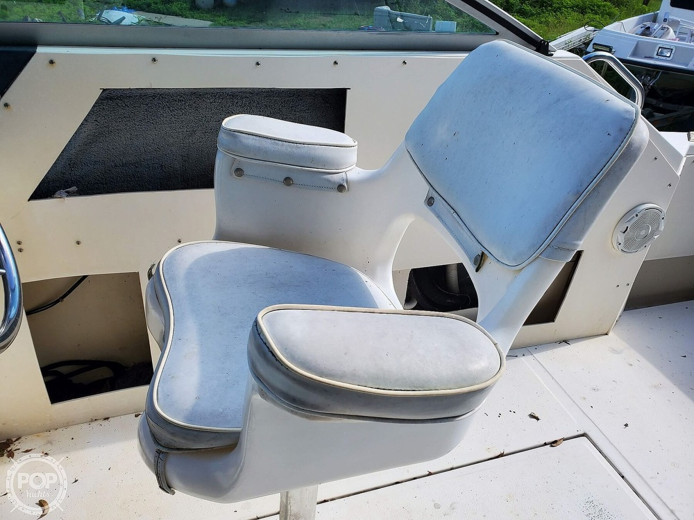 1986 Sea Ray boat for sale, model of the boat is 31 & Image # 28 of 40