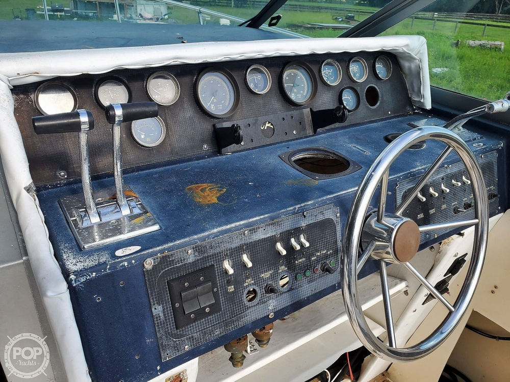 1986 Sea Ray boat for sale, model of the boat is 31 & Image # 32 of 40