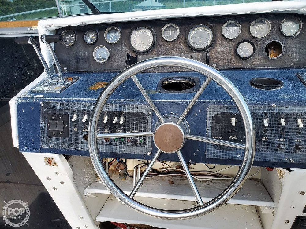 1986 Sea Ray boat for sale, model of the boat is 31 & Image # 37 of 40