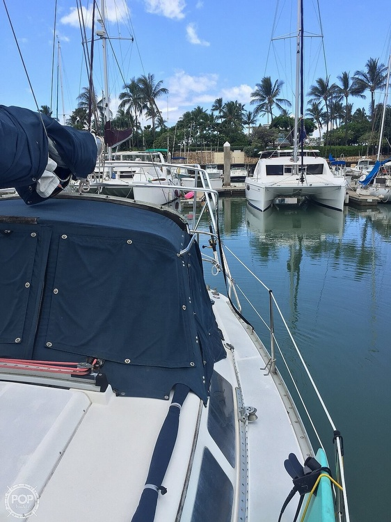 1990 Hunter boat for sale, model of the boat is 36 & Image # 4 of 41