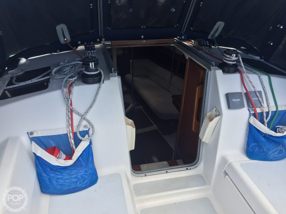 1990 Hunter boat for sale, model of the boat is 36 & Image # 19 of 41