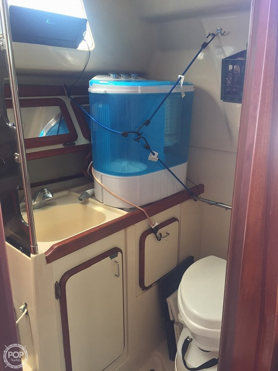1990 Hunter boat for sale, model of the boat is 36 & Image # 35 of 41
