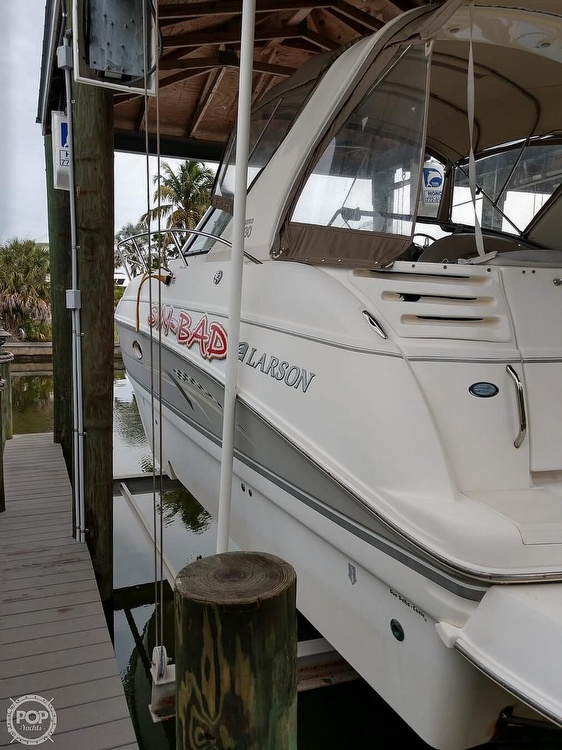 2008 Larson boat for sale, model of the boat is 330 Cabrio & Image # 4 of 40