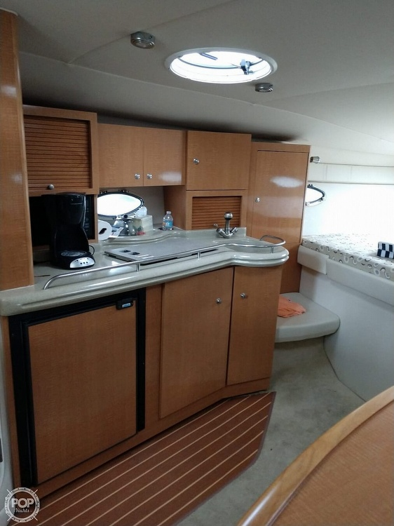2008 Larson boat for sale, model of the boat is 330 Cabrio & Image # 9 of 40