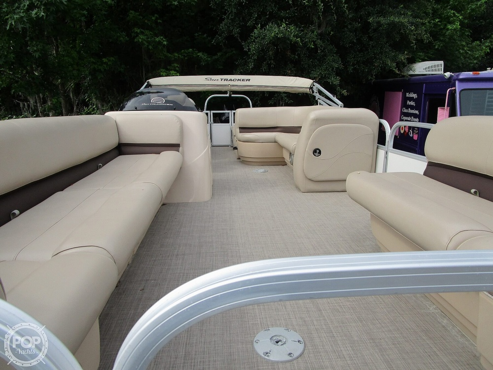 2017 Sun Tracker boat for sale, model of the boat is Party Barge & Image # 8 of 40
