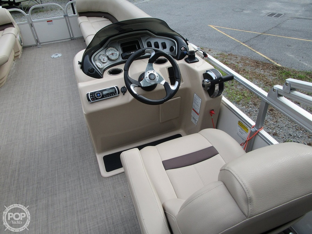 2017 Sun Tracker boat for sale, model of the boat is Party Barge & Image # 36 of 40