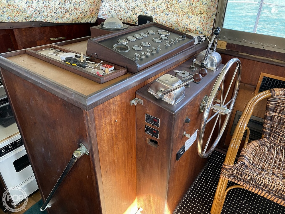 1973 Hatteras boat for sale, model of the boat is 38 Double Cabin & Image # 33 of 40