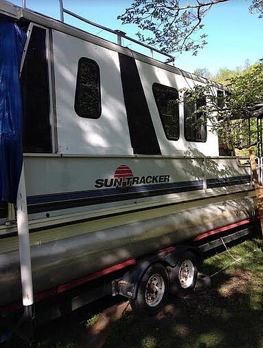 Sun Tracker 33, 33, for sale - $28,000