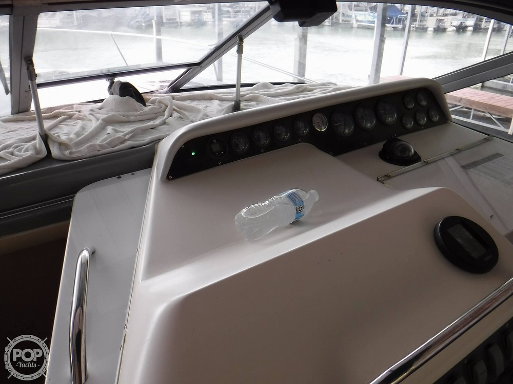 1994 Sea Ray boat for sale, model of the boat is 290 Sundancer & Image # 23 of 40