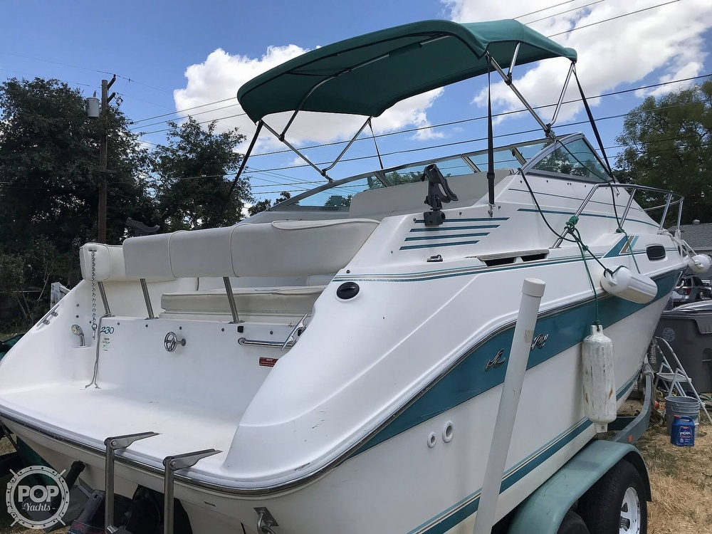 1995 Sea Ray boat for sale, model of the boat is 230 Sundancer & Image # 2 of 41