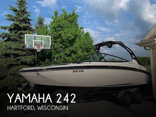Used Boats For Sale in Madison, Wisconsin by owner | 2016 Yamaha 242 Limited S