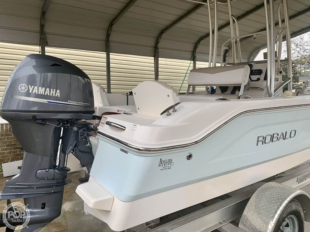 2019 Robalo boat for sale, model of the boat is R160 & Image # 5 of 40