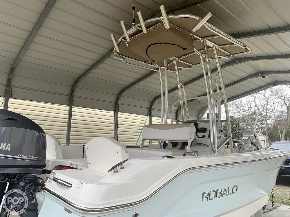 2019 Robalo boat for sale, model of the boat is R160 & Image # 3 of 40