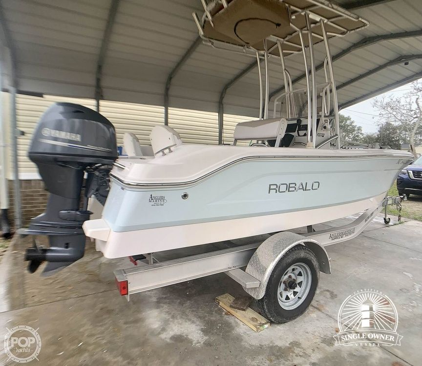 2019 Robalo boat for sale, model of the boat is R160 & Image # 2 of 40