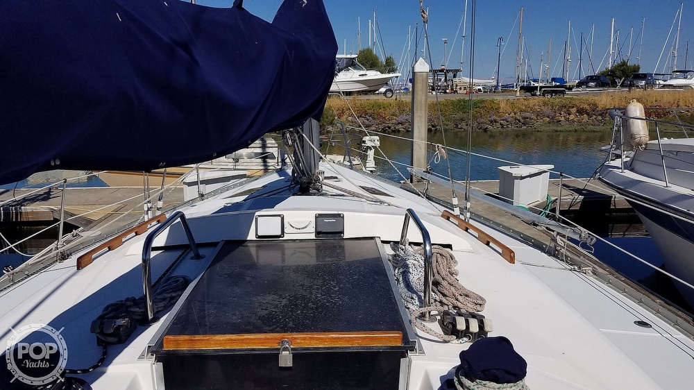 1989 Hunter boat for sale, model of the boat is Legend 37 & Image # 6 of 40