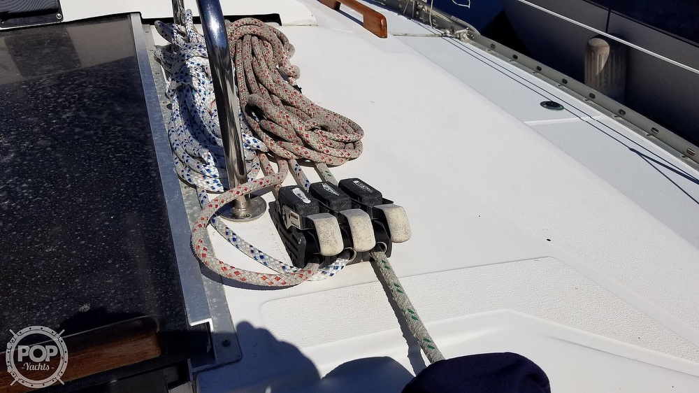 1989 Hunter boat for sale, model of the boat is Legend 37 & Image # 8 of 40