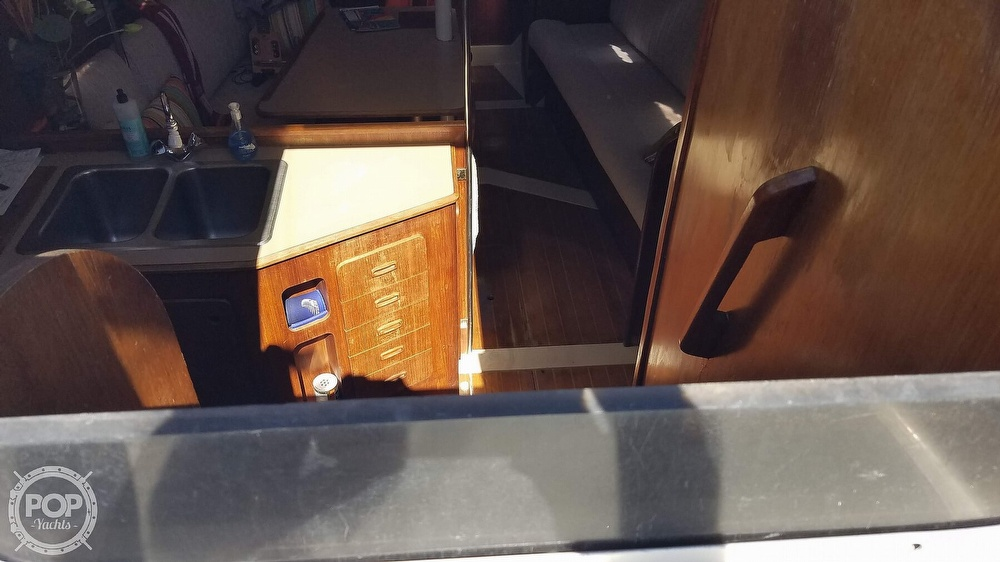 1989 Hunter boat for sale, model of the boat is Legend 37 & Image # 9 of 40