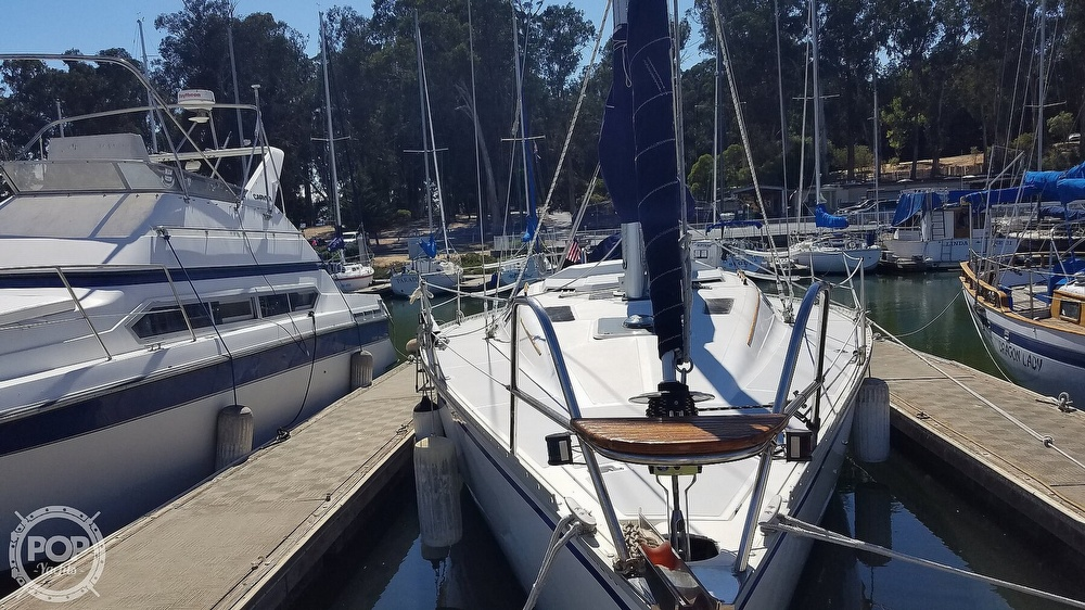 1989 Hunter boat for sale, model of the boat is Legend 37 & Image # 12 of 40