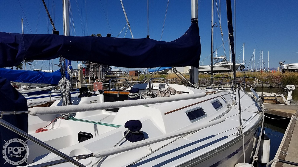 1989 Hunter boat for sale, model of the boat is Legend 37 & Image # 18 of 40
