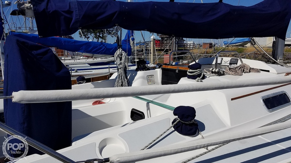 1989 Hunter boat for sale, model of the boat is Legend 37 & Image # 19 of 40