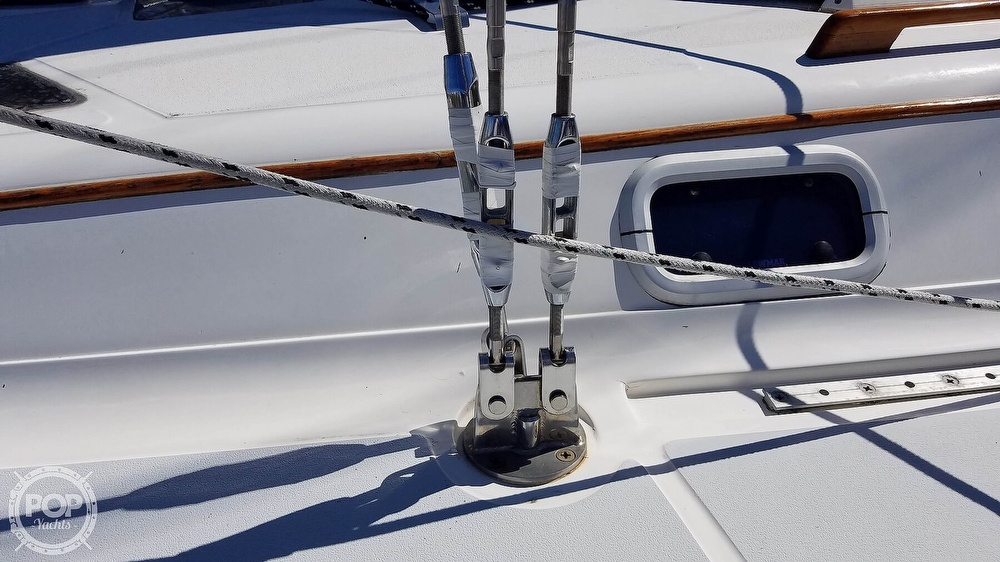 1989 Hunter boat for sale, model of the boat is Legend 37 & Image # 23 of 40