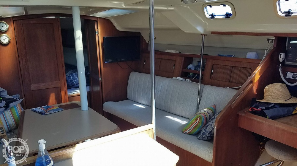 1989 Hunter boat for sale, model of the boat is Legend 37 & Image # 32 of 40