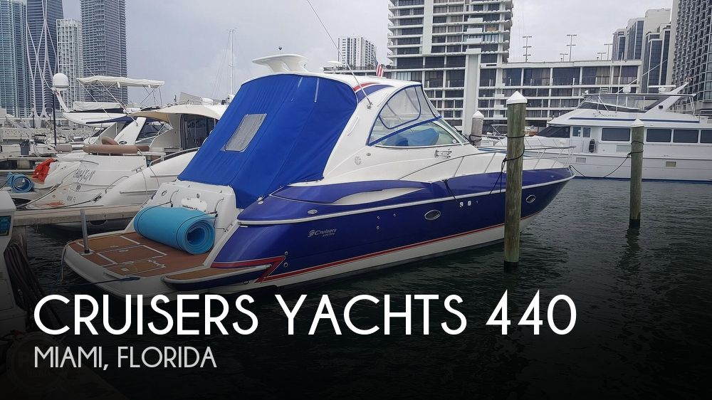 2004 CRUISERS YACHTS 440 EXPRESS for sale