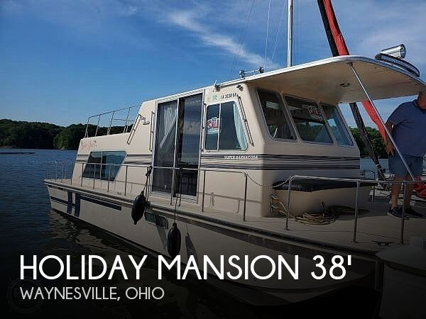 Used Holiday Mansion Houseboats For Sale by owner | 1995 Holiday Mansion Barracuda 38
