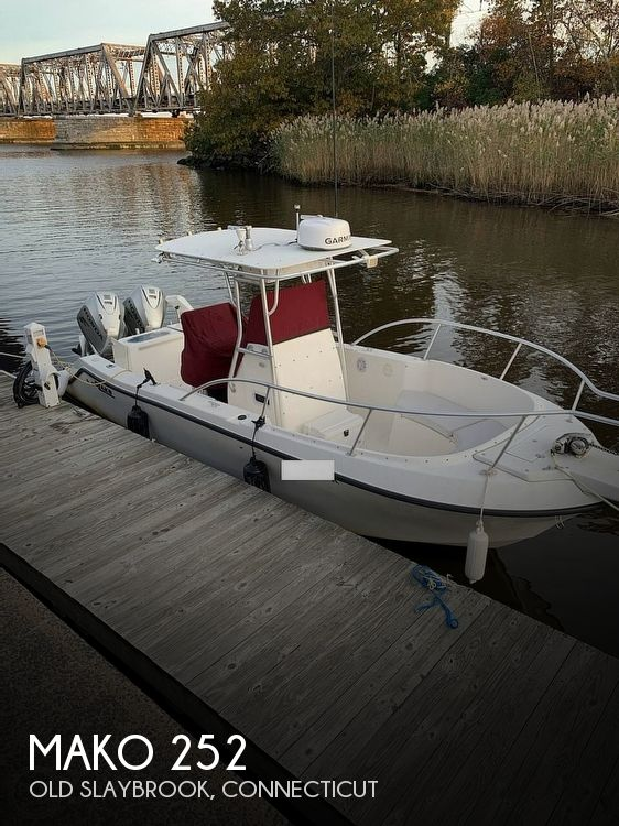 2004 MAKO 252 for sale