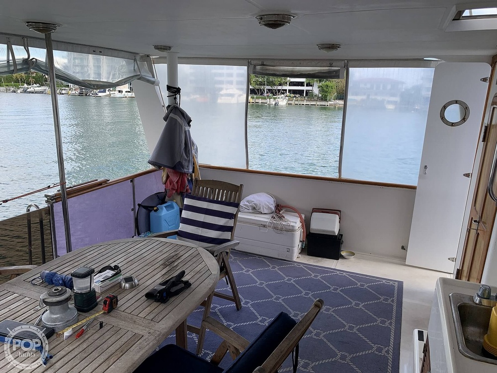 1993 Hyundai boat for sale, model of the boat is Elegant 4900 & Image # 25 of 40