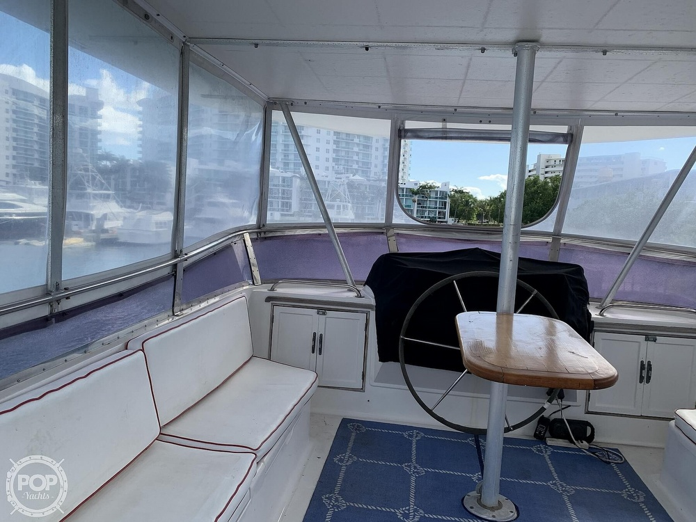 1993 Hyundai boat for sale, model of the boat is Elegant 4900 & Image # 32 of 40