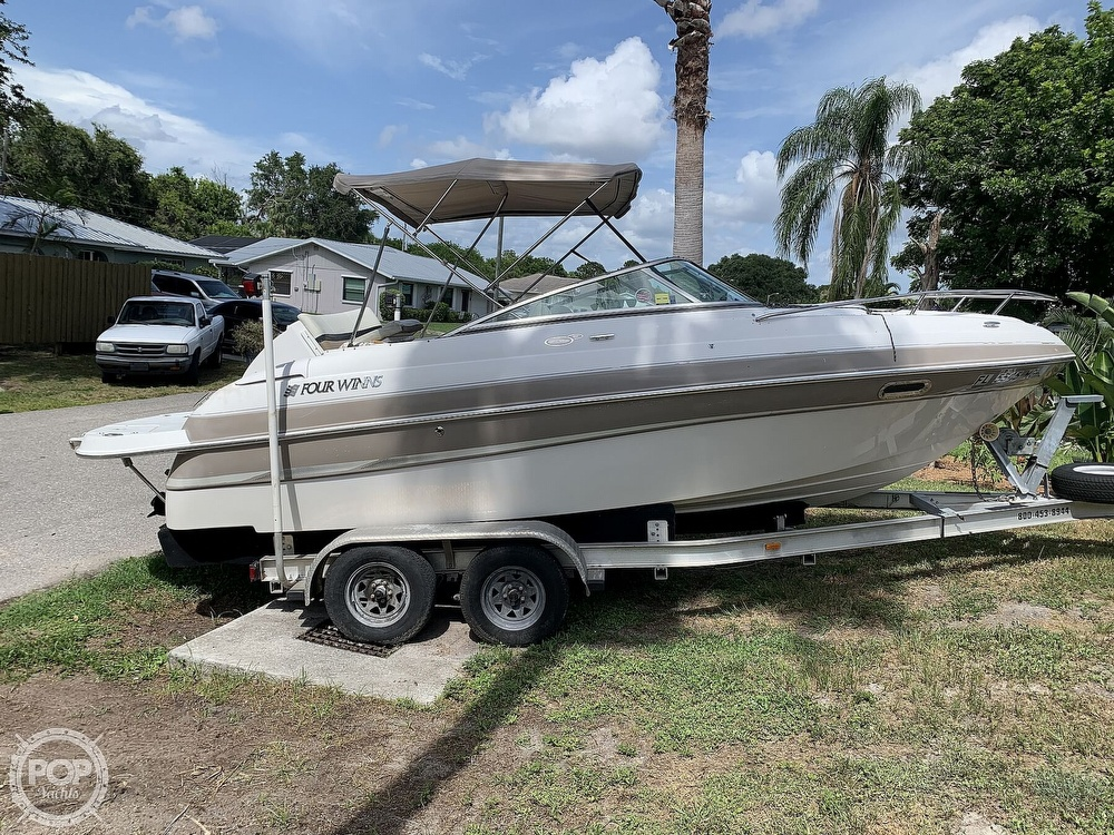 2003 Four Winns boat for sale, model of the boat is Sundowner 205 & Image # 4 of 40