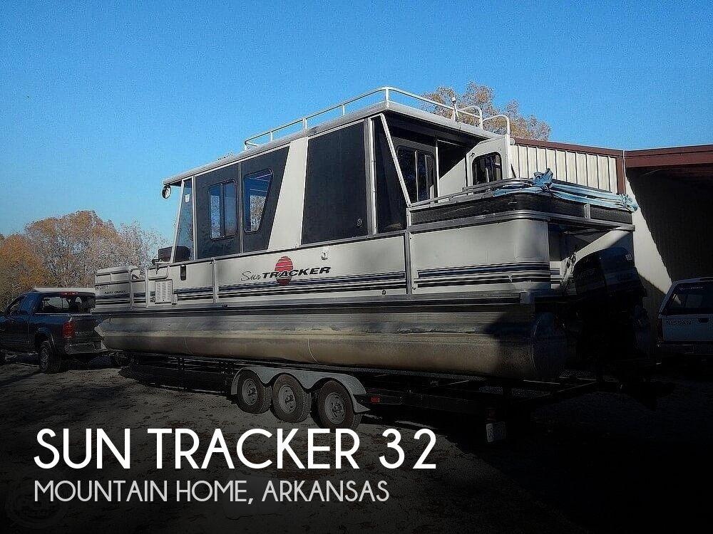 Used Boats For Sale in Springfield, Missouri by owner | 1993 Sun Tracker 32 Party Barge