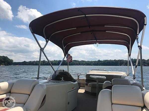 2002 Bennington boat for sale, model of the boat is 2575rlx & Image # 3 of 40