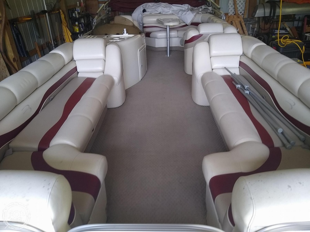 2002 Bennington boat for sale, model of the boat is 2575rlx & Image # 6 of 40