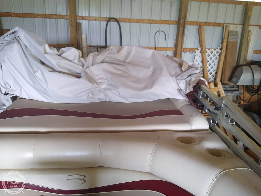 2002 Bennington boat for sale, model of the boat is 2575rlx & Image # 17 of 40
