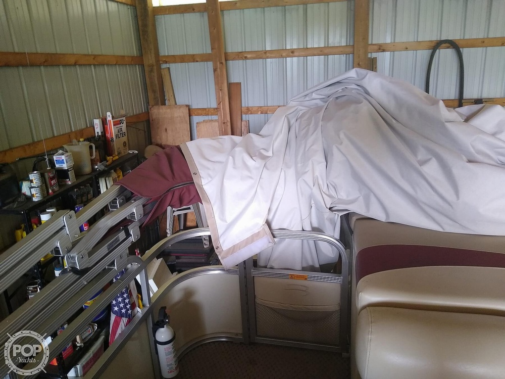 2002 Bennington boat for sale, model of the boat is 2575rlx & Image # 18 of 40