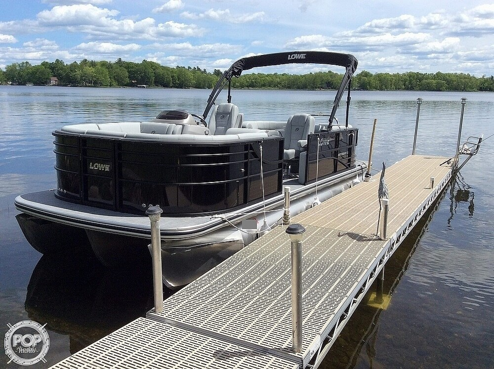 2020 Lowe boat for sale, model of the boat is 230 Retreat & Image # 2 of 8