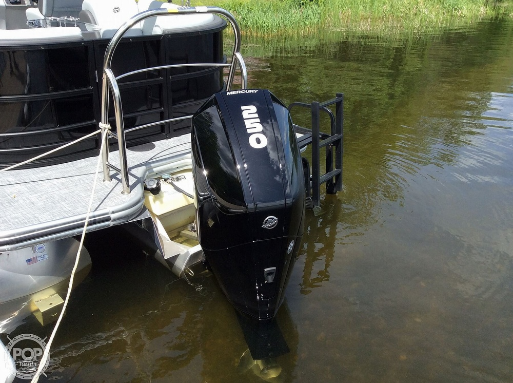 2020 Lowe boat for sale, model of the boat is 230 Retreat & Image # 4 of 8