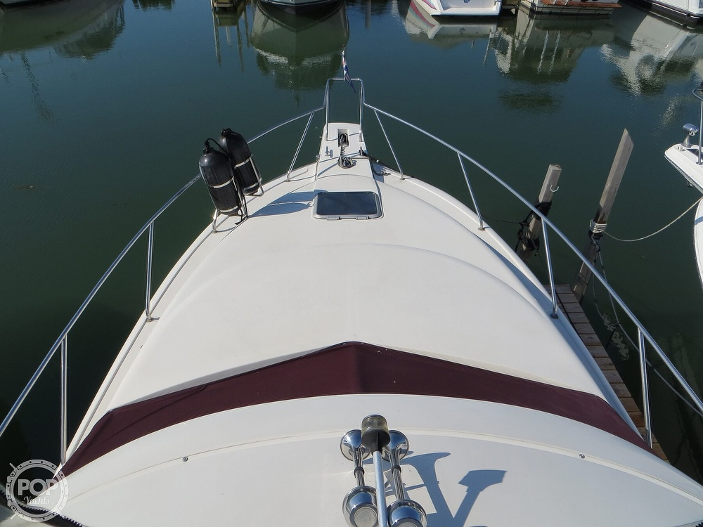 1991 Silverton boat for sale, model of the boat is 31m & Image # 3 of 40