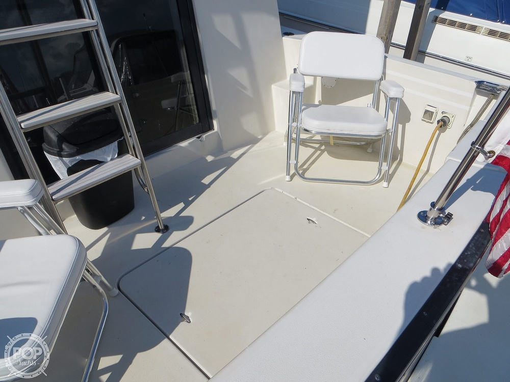 1991 Silverton boat for sale, model of the boat is 31m & Image # 4 of 40