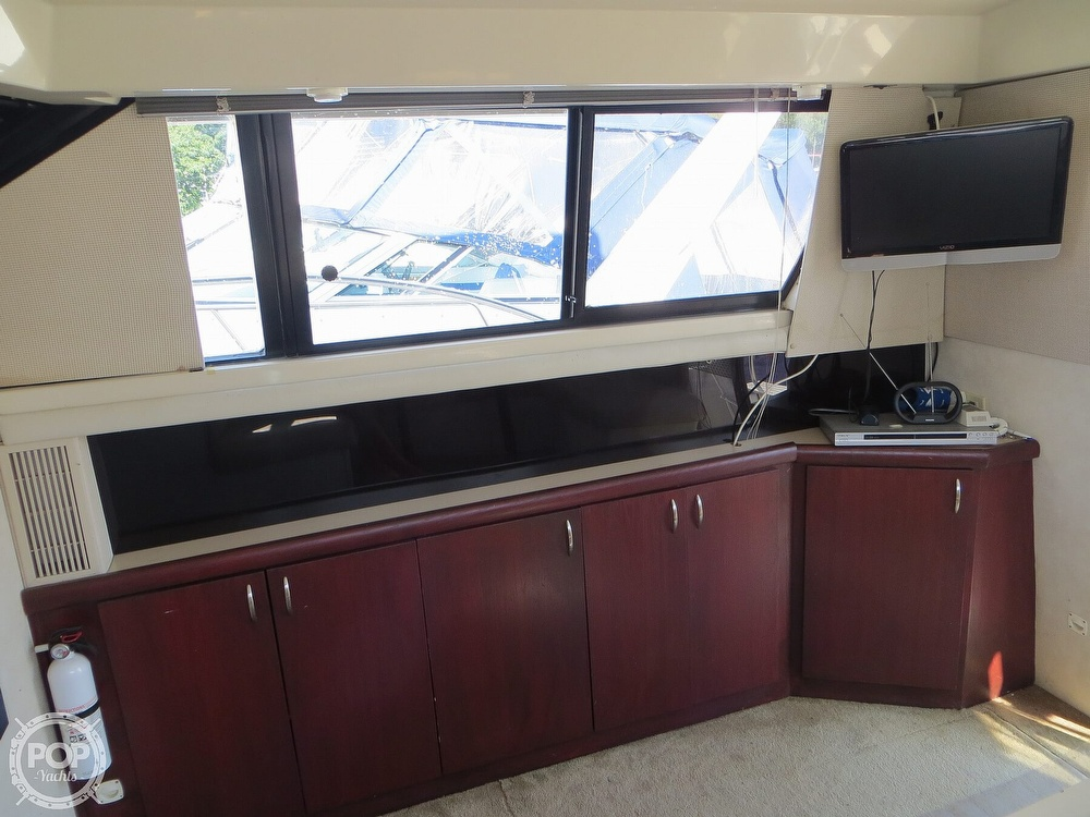1991 Silverton boat for sale, model of the boat is 31m & Image # 7 of 40