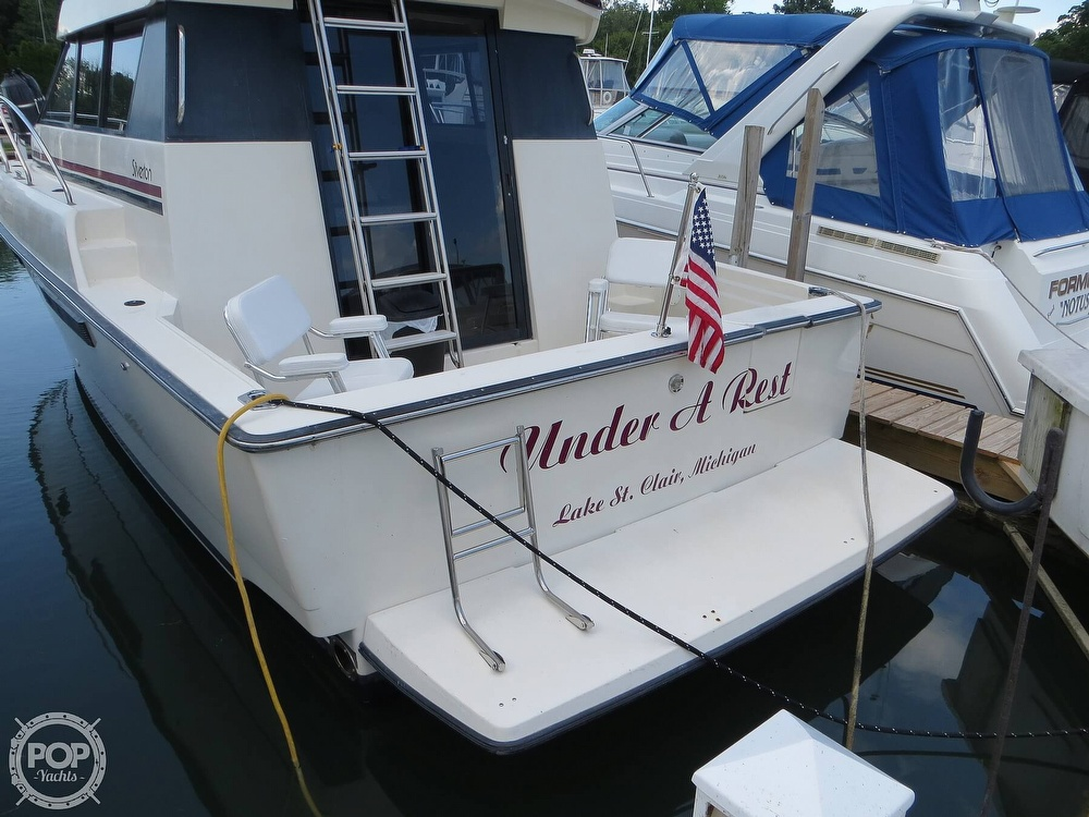 1991 Silverton boat for sale, model of the boat is 31m & Image # 18 of 40