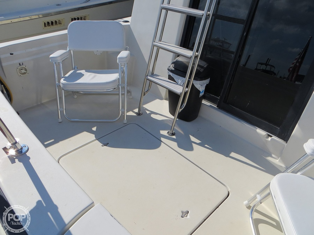 1991 Silverton boat for sale, model of the boat is 31m & Image # 32 of 40
