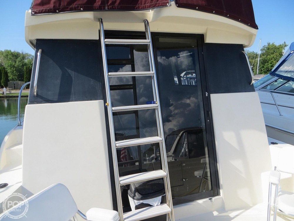 1991 Silverton boat for sale, model of the boat is 31m & Image # 34 of 40