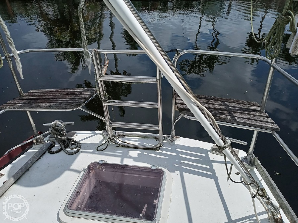 1995 Hartley boat for sale, model of the boat is Fijian Cutter Rig 44 & Image # 16 of 40