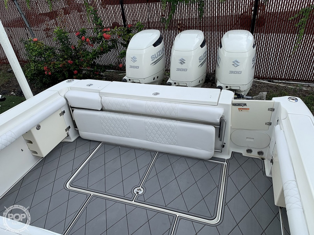 2005 Hydra-Sports boat for sale, model of the boat is 3300 Vector EXP & Image # 16 of 40