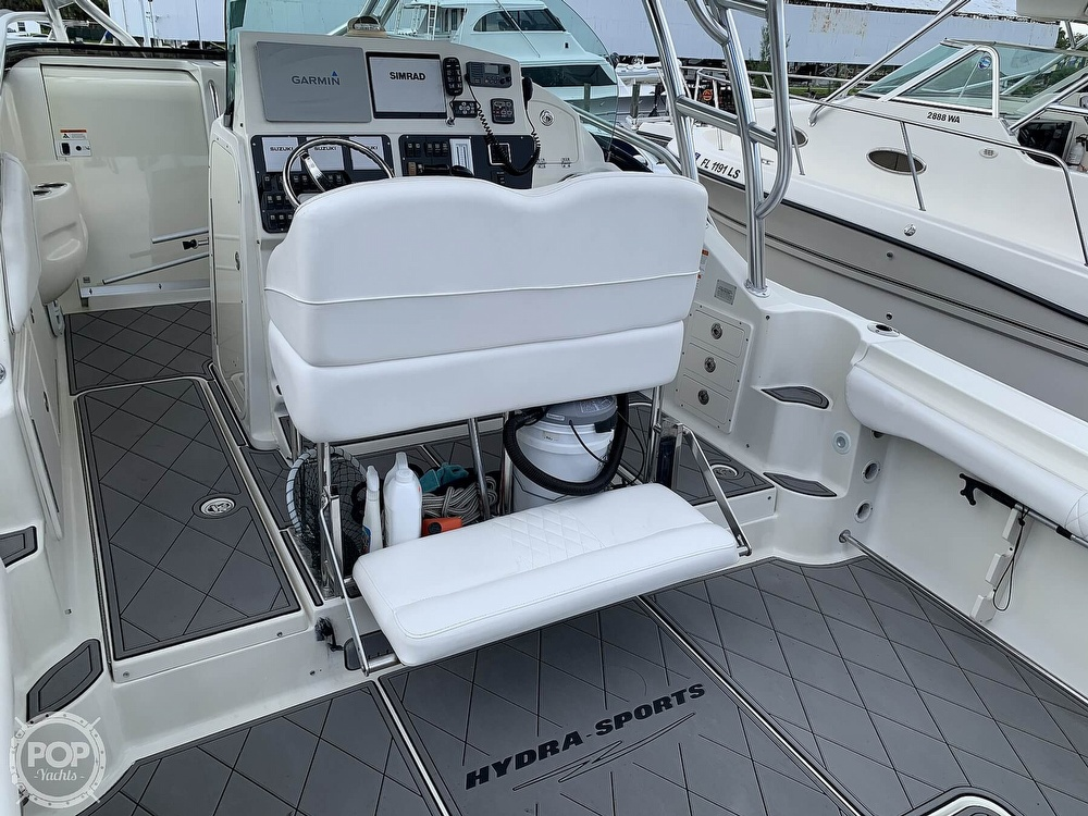 2005 Hydra-Sports boat for sale, model of the boat is 3300 Vector EXP & Image # 17 of 40